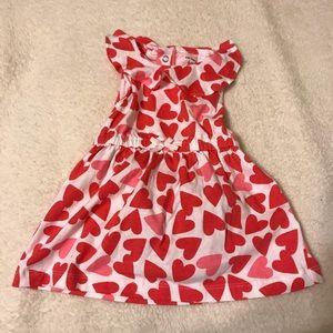 Carters Heart pattern Valentine dress set pink red